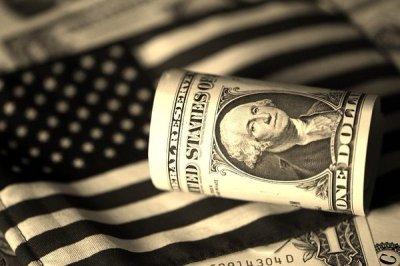 Долги американцев по кредитным картам достигли более 1 трлн долларов