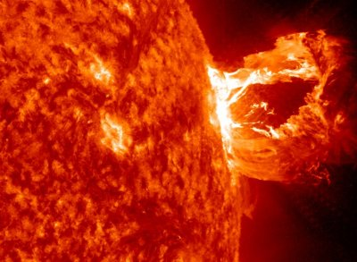 Вспышка на Солнце 6 сентября 2017: последствия, видео