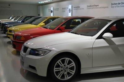 BMW планирует к 2025 году выпускать 12 моделей электромобилей