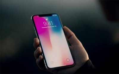 Samsung высмеяла недостатки iPhone (видео)