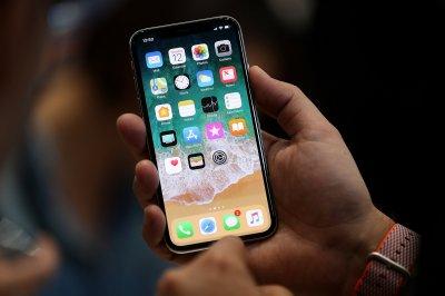 Компания Apple сообщила о проблеме с экраном iPhone X