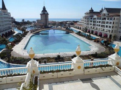 В Турции разграбили отель бывшего владельца Черкизовского рынка