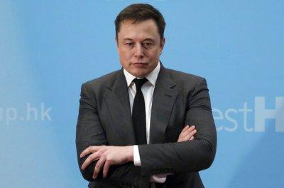 В Tesla решили лишить Илона Маска зарплаты