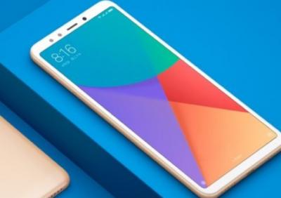 Компания Huawei показала безрамочный смартфон Honor 7C дешевле $150