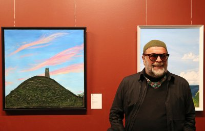 В Петербурге открылась выставка с картинами Гребенщикова