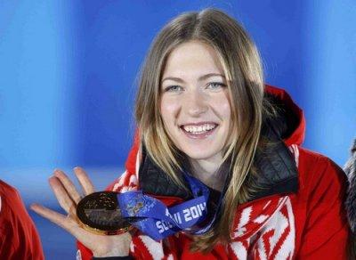 Домрачева победила в спринте на этапе Кубка мира в Тюмени