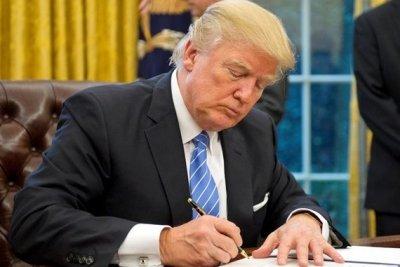 Дональд Трамп подписал бюджет США на 2018 год