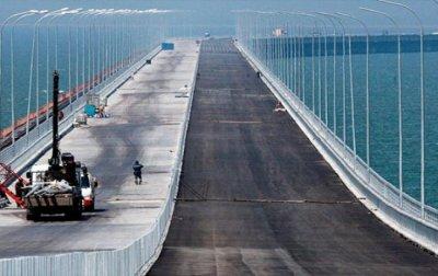 Автомобильная часть  Крымского моста заасфальтирована на 70%
