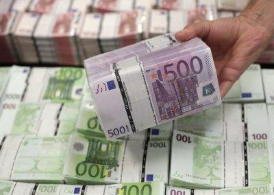 За неделю из латвийских банков вкладчики забрали 365 млн евро