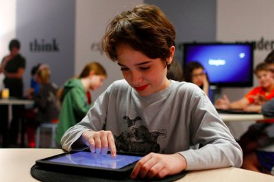 Apple презентовал недорогой iPad для студентов и школьников (видео)