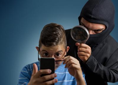 Исследование: неменее половины русских пользователей телефонов опасаются слежки