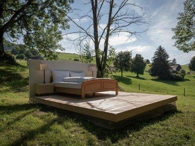 В Швейцарии открыт отель «ноль звезд» с номерами под открытым небом