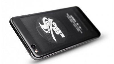 Смартфон Yota 3+ получил два дисплея