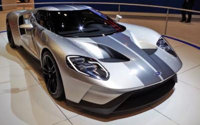 Ford GT получил карбоновую версию